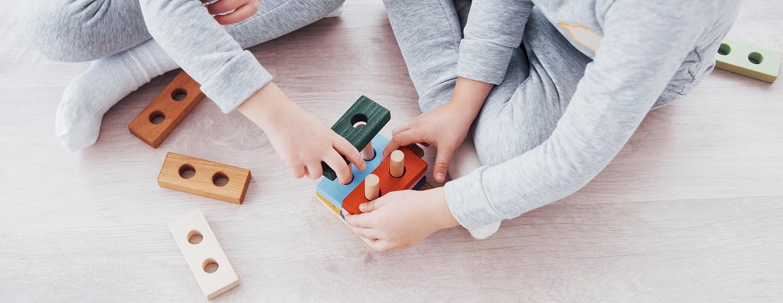 De ce jucăriile din lemn sunt cele mai bune jucării!